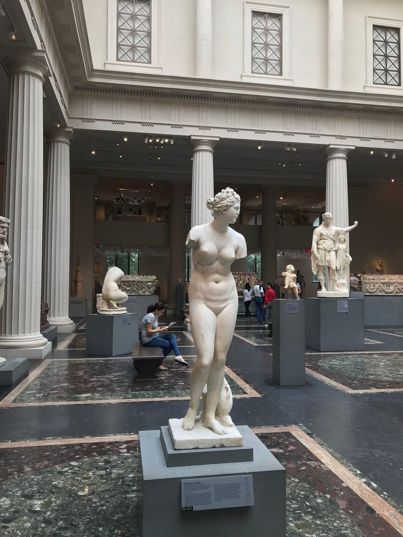 Statue grecque sans bras